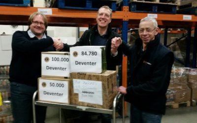 Lions Deventer regelt 1000 pakken koffie voor Voedselbank Deventer